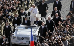 pope-mobile_2513354b